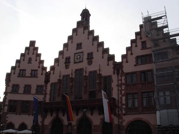 【法蘭克福】的『Römergerg 羅馬之丘』的『市政廳』