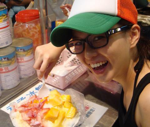 臺北到處都可看到的--'冰'店。我最喜歡芒果