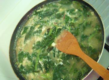 這是我媽媽的私房菜,呃忘了叫什麽名堂,只知道容易弄,健康又營