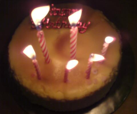 經紀人為我準備的生日蛋糕。。