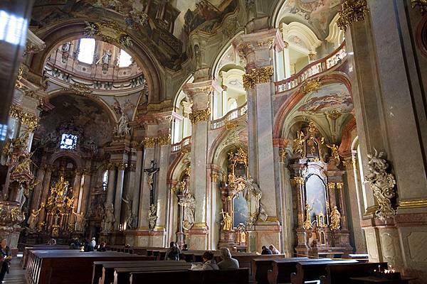 St_Nicholas_Church_Prague_Jorge-Royan