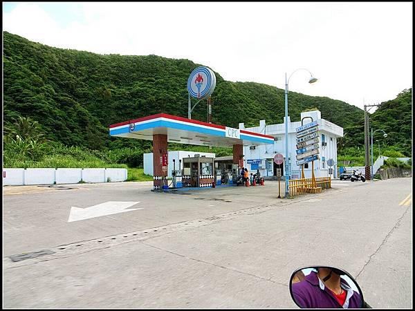 4 - 等吃午餐 -04 只有95的唯一一家加油站