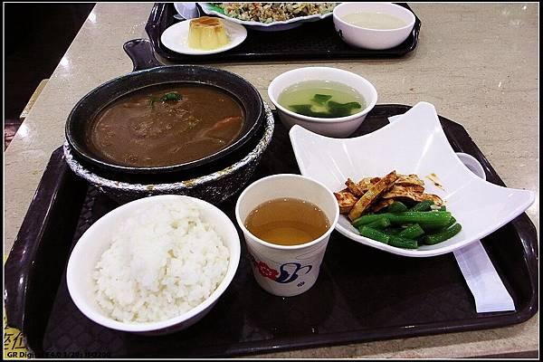 03 - 德安購物中心 03 午餐 - 歐風咖哩牛肉鍋