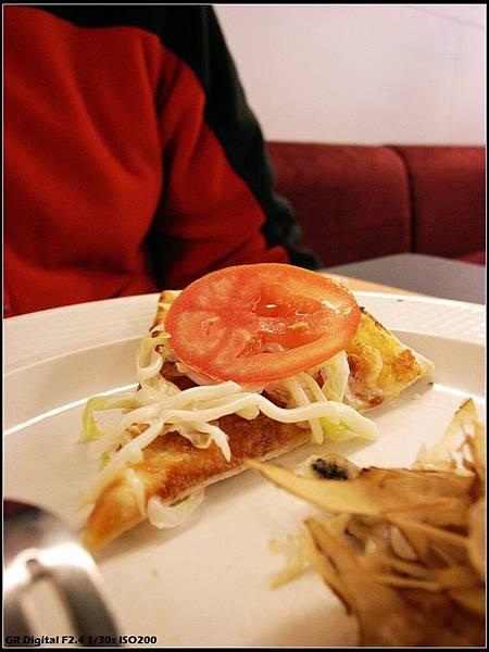 蕃茄生菜匹薩