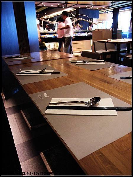 01_餐桌擺設