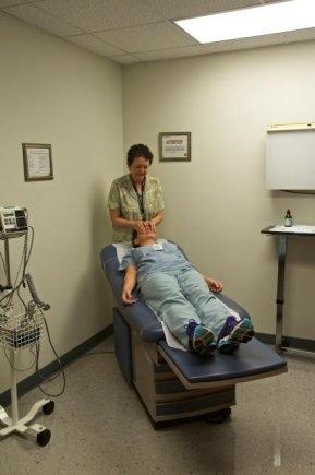 夏威夷-美國陸軍健康診所提供靈氣服務