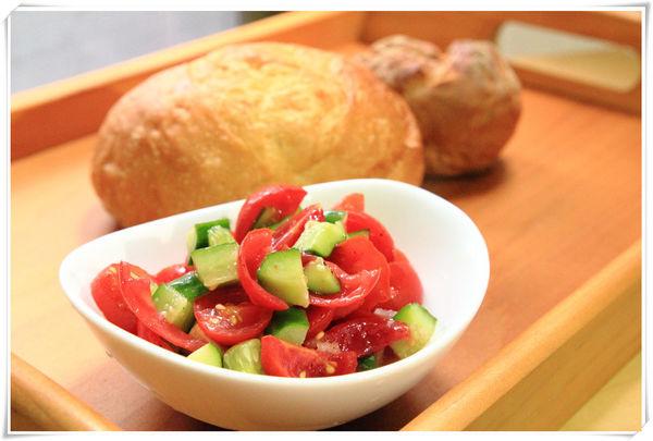 小黃瓜番茄沙拉胃食道逆流.png