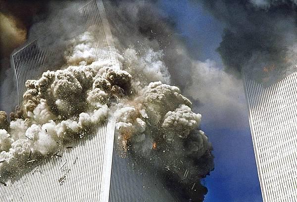 911飛機不可能穿牆而過.jpg