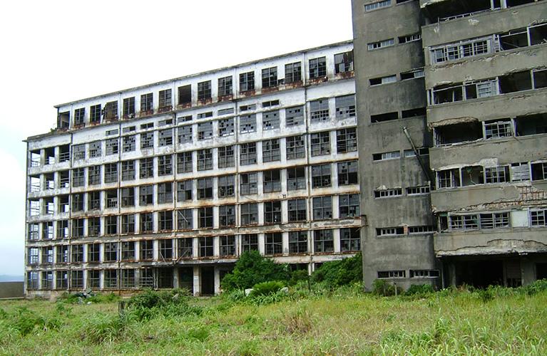 今の端島小中学校