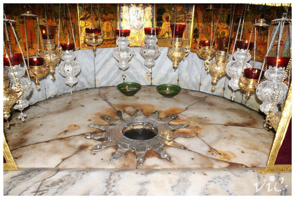 銀色的星標誌着耶穌出生的地方3