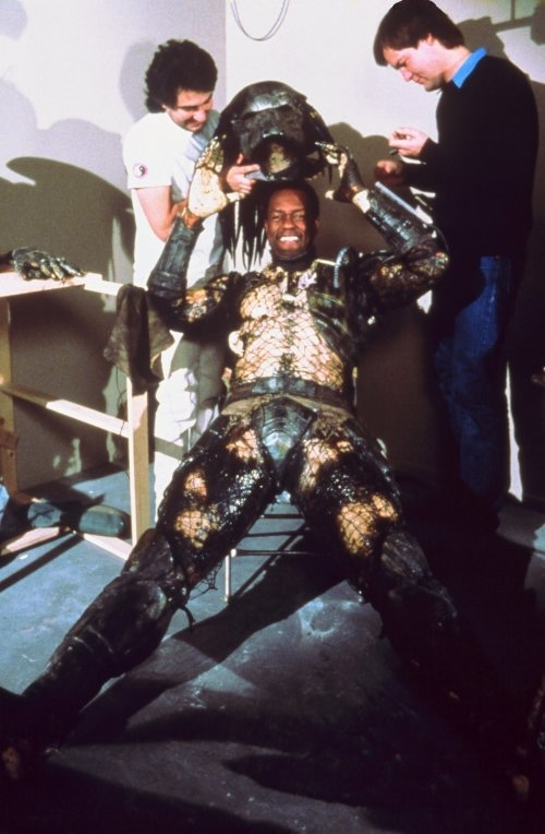 Kevin-Peter-Hall-as-the-Predator-1987