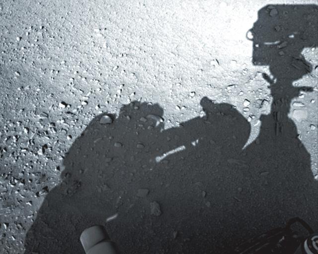 火星「人影」修理好奇號
