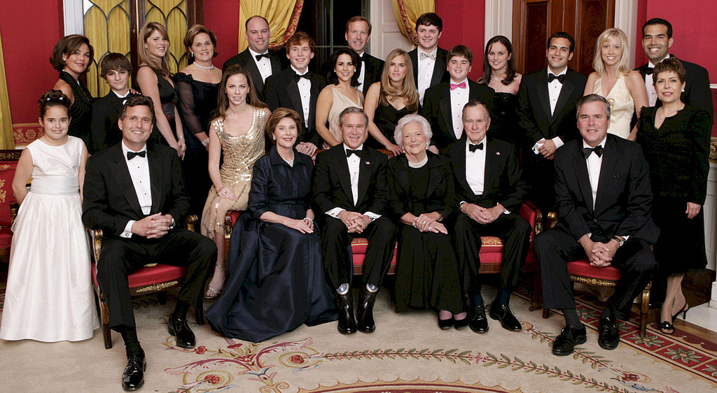 1024px-George_W__Bush_and_family