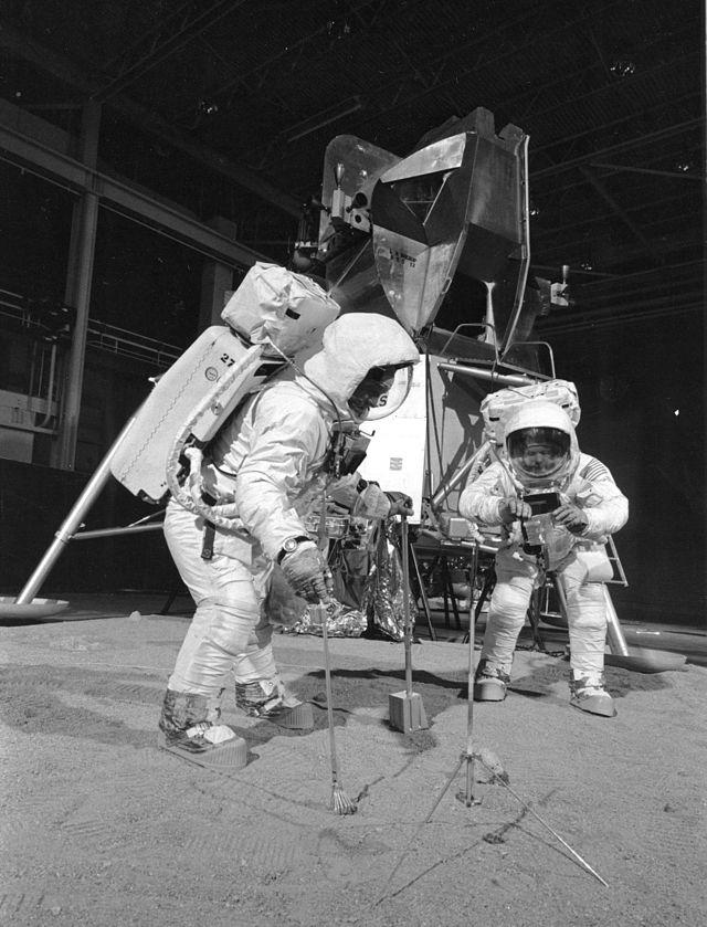 Apollo_11_Crew_During_Training_Exercise_2