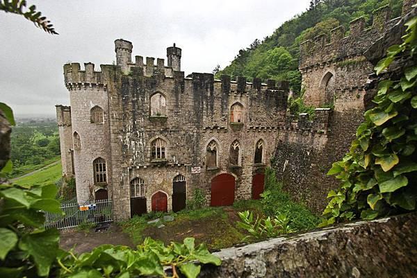Gwrych_Castle-09