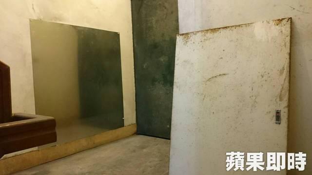 余涵勳墜落的6樓舊有空管道間,現已釘上鐵板封死。