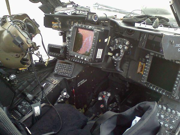 AH-64E 3_前座n