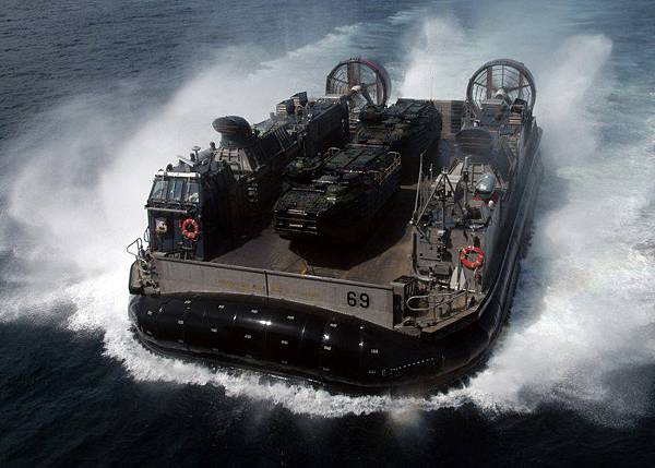 LCAC Landing Vehicle, Air-cushioned