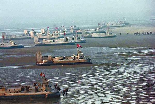 北韓氣墊登陸艇