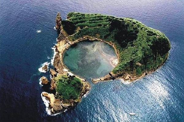 Pizza Island3