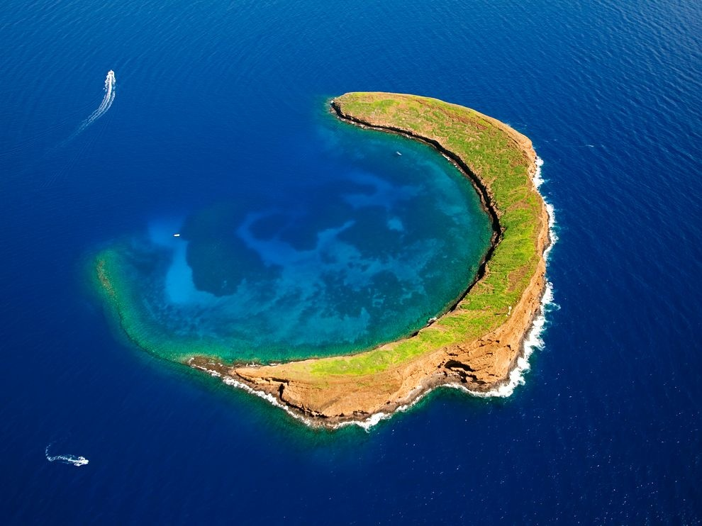 molokini-crater-hawaii