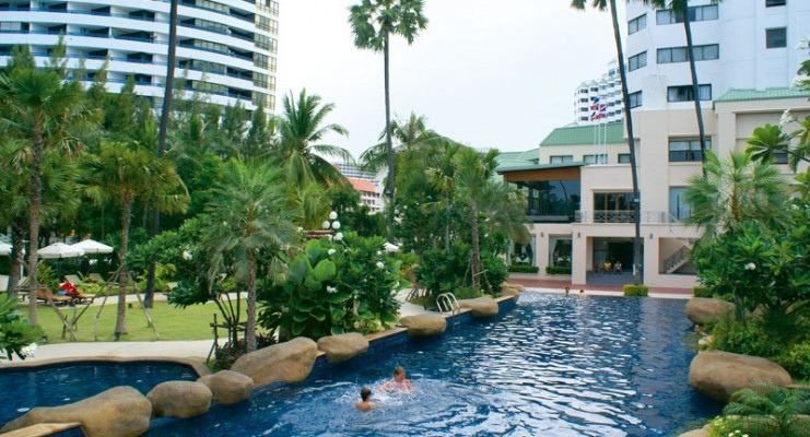 Jomtien Palm Beach Hotel