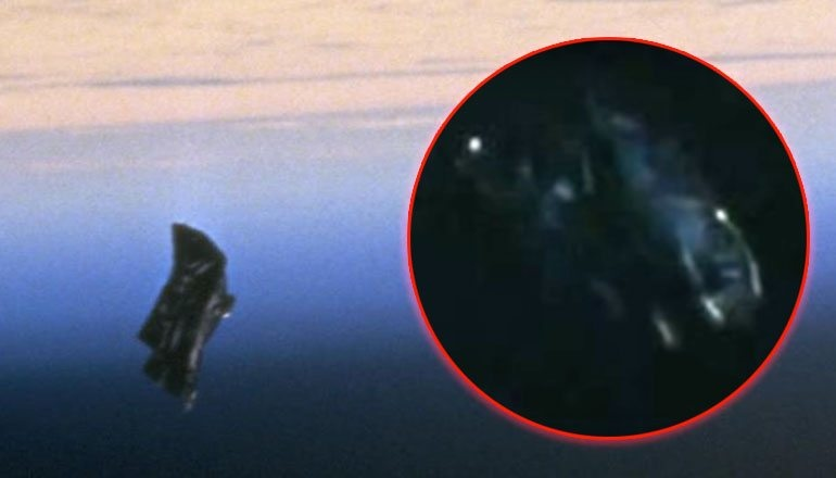Black_knight_Satellite_11