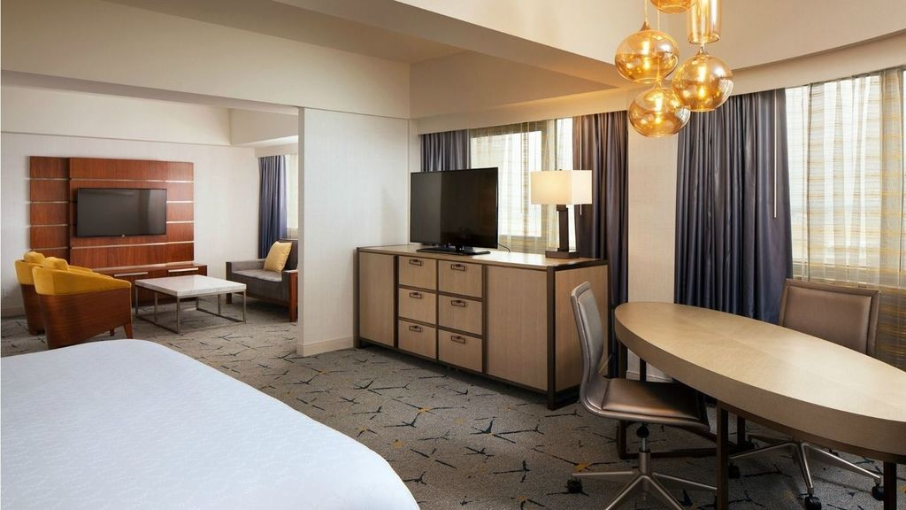 Sheraton Gateway Los Angeles Hotel8