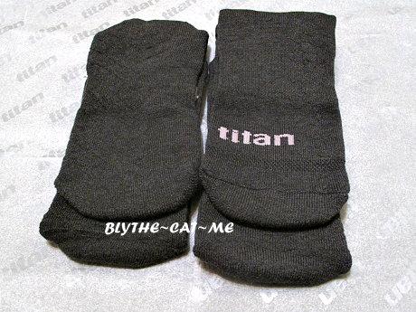 Titan運動襪 (12).JPG