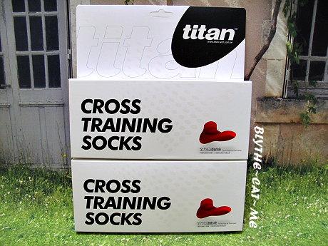 Titan運動襪 (1).JPG