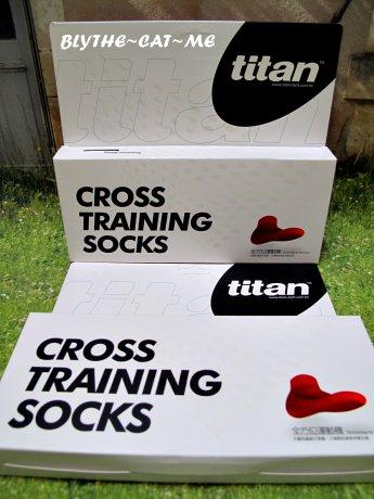 Titan運動襪 (2).JPG