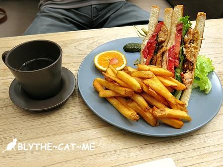 eating time (15).JPG