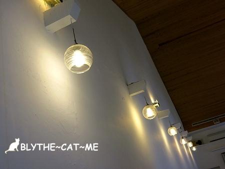 R9 CAFE (8).JPG