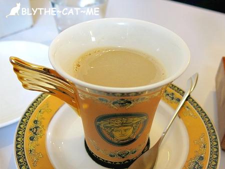 R9 CAFE (15).JPG
