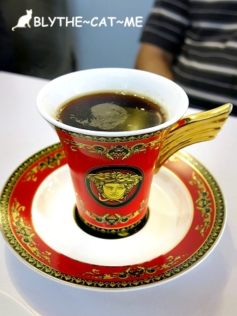 R9 CAFE (18).JPG