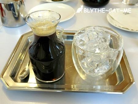 R9 CAFE (20).JPG