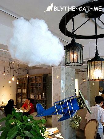 September cafe (7).JPG