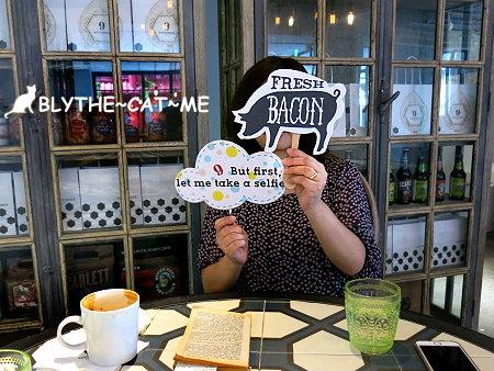 September cafe (33).JPG