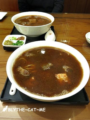 牛爸爸牛肉麵 (1).JPG