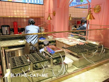 Line cafe (20).JPG
