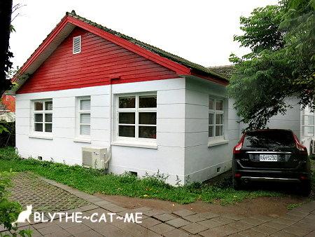 白房子 (2).JPG