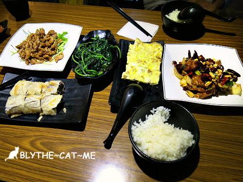 鴻富麵食館 (1).JPG