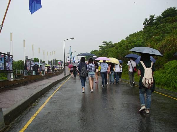 100定向輔導-突然下雨了!.JPG