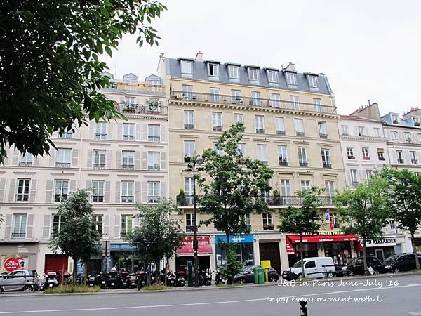 Paris apartment (7).jpg