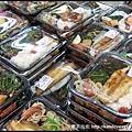 超市賣的熟食便當種類超多,不知道選哪一個好
