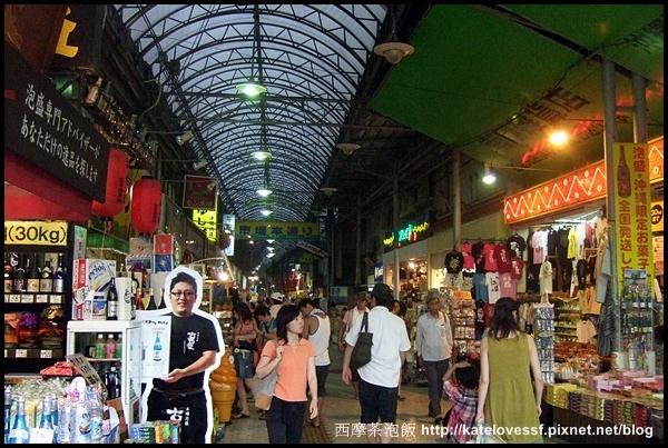 市場本通,很像我們傳統市場,但我記得15年前來逛的時候比較熱鬧