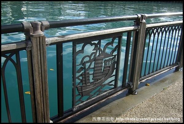 船圖案的欄杆