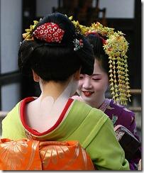 497px-Geisha-kyoto-2004-11-21[1]