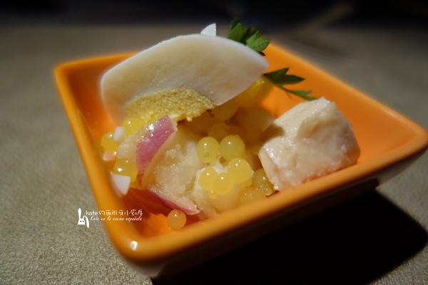 DSC09552-馬拉加馬鈴薯沙拉搭配鱈魚佐魚子醬-1_resize.jpg