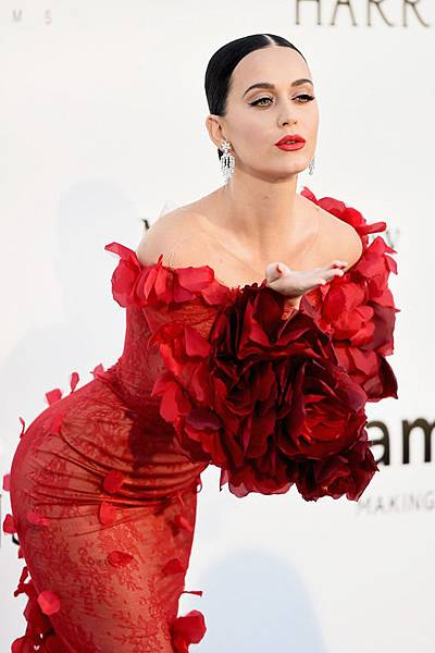 Katy-Perry-amfAR-2016-Cinema-Against-Aids-Gala-Cannes-2016-Red-Carpet-Fashion-Marchesa-Harry-Winston-Tom-Lorenzo-Site-4.jpg